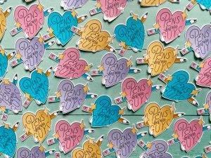 "Sticker ""Pens before Guys"""